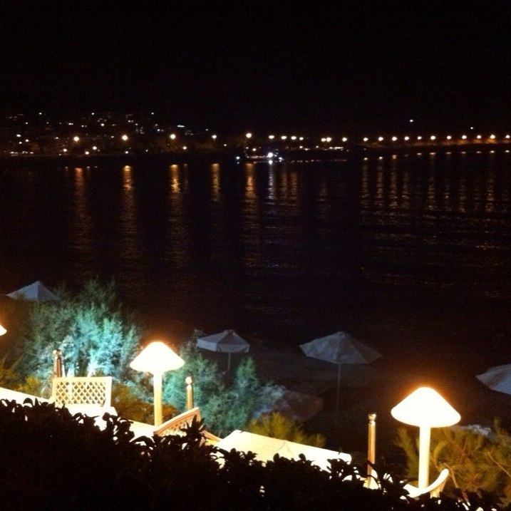 Okeanis Vouliagmeni by night, 29.08.2016